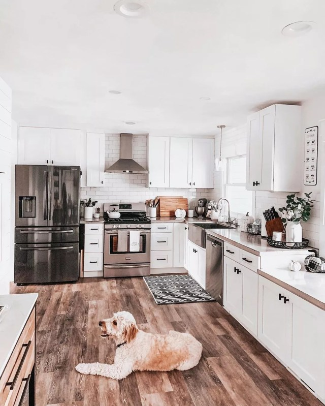 Large Kitchen Area with New Appliances. Photo by Instagram user @fashionablykay