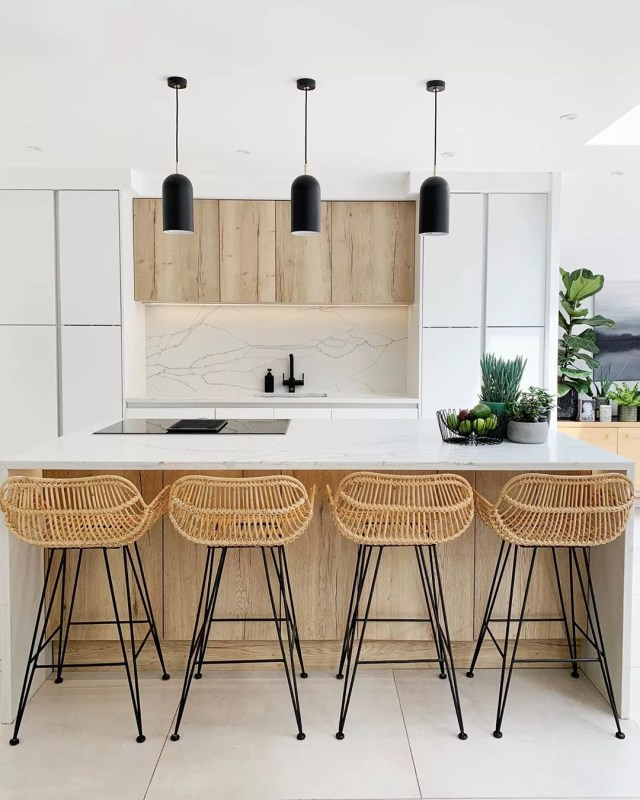 Minimalist Kitchen with Clean Island and New Overhead Lighting. Photo by Instagram user @my_fantasy_extension