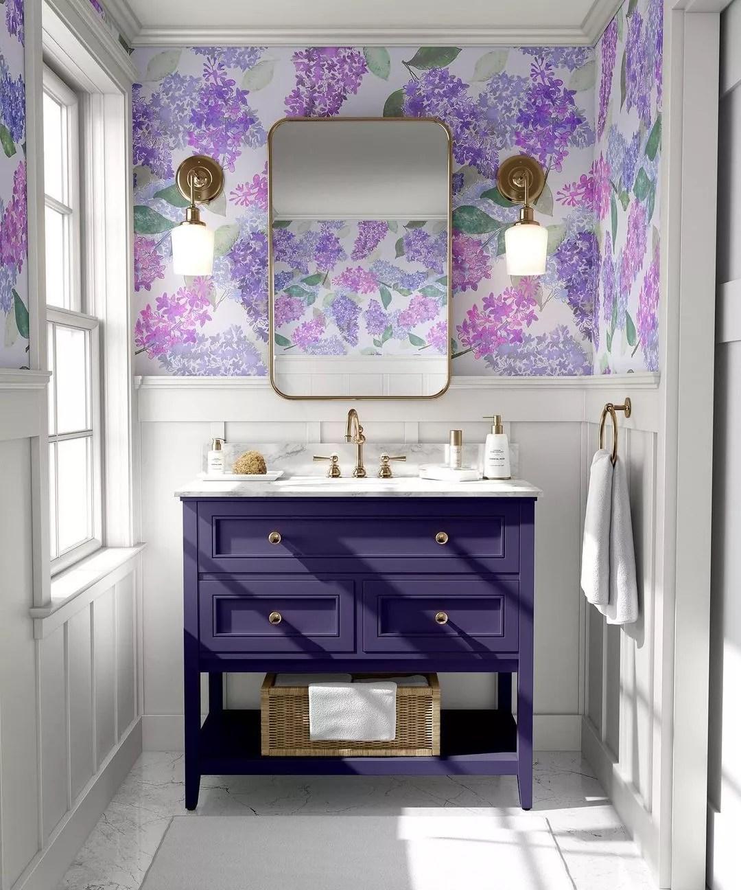 Eco-friendly floral pattern bathroom wallpaper. Photo by Instagram user @miurio_textiles