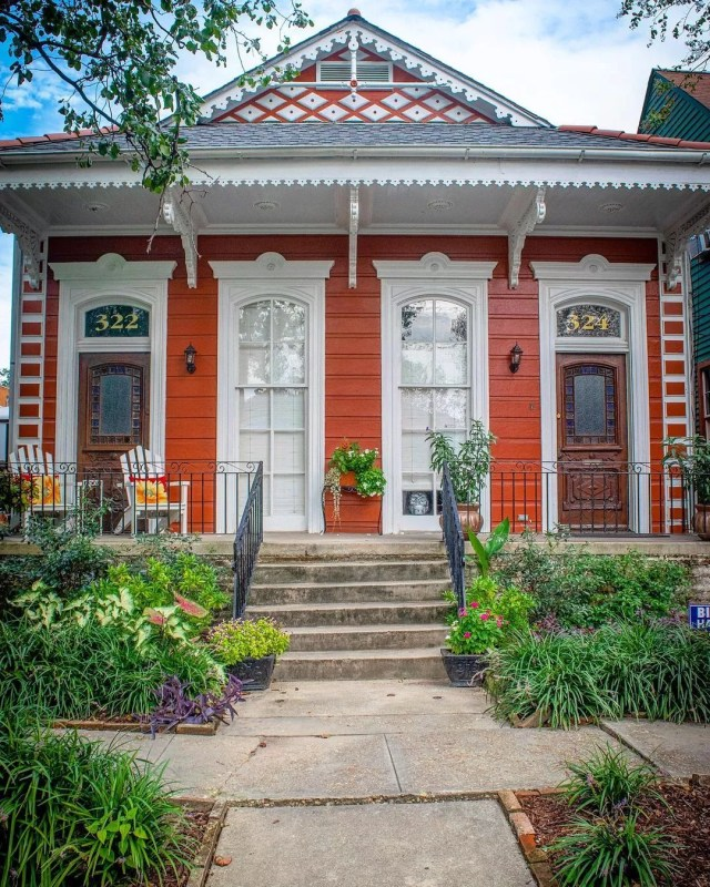 Charming, red Creole cottage in Algiers Point neighborhood of New Orleans. Photo by Instagram user @risingcrescent