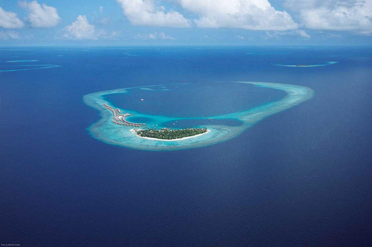Feel The Luxury At Constance Halaveli Maldives Resort