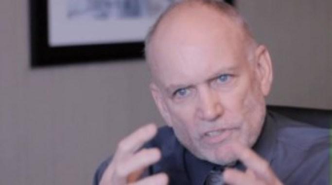 L'ATTIVISTA POLITICO AMERICANO STEPHEN BASSETT