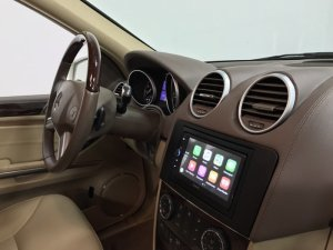 Mercedes GL350 Radio