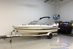 2005 Maxum Boat