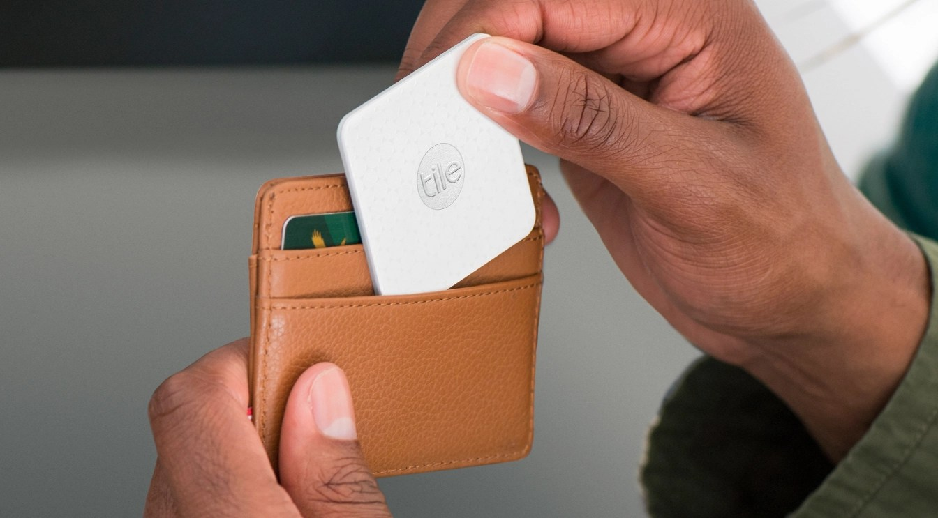 new skinny tile tracker fits in your wallet helps you find everything else extremetech
