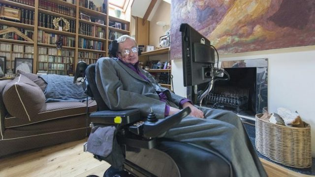 450419-stephen-hawking-with-new-intel-system