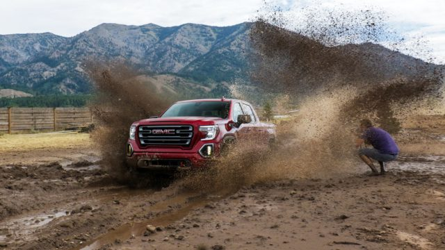 2020 GMC Sierra Review: The Pickup With X-Ray Vision for Trailering 8