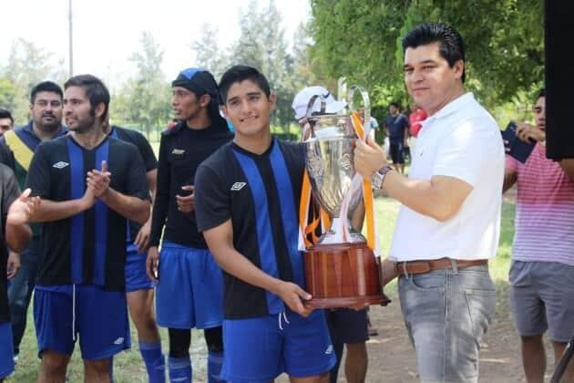 FOTO UNO3 RAFA MENDEZ