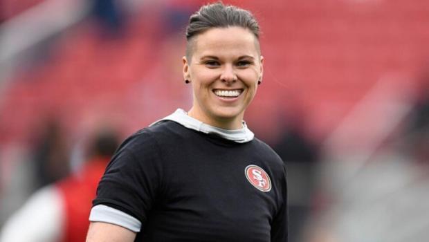 Katie Sowers, La primera entrenadora en llegar a un Super Bowl