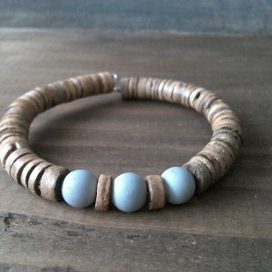 Handmade coconut bracelet with gray glass beads