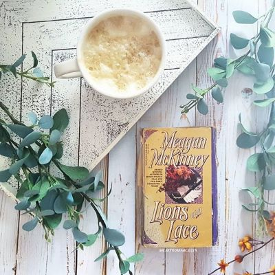 Lions & Lace Bookstagram