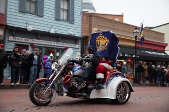 Military-Bowl-2015-Parade-KC-01