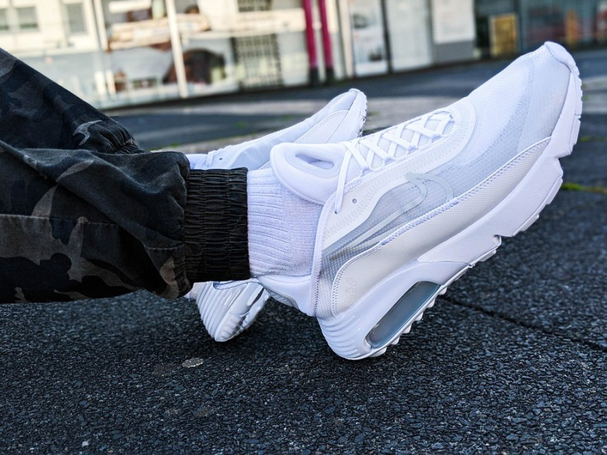 Senado Humanista artillería  Taiwanese footwear contractor for Nike, Converse to lay off 30,000 workers  in Vietnam: Report | Eye On Taiwan