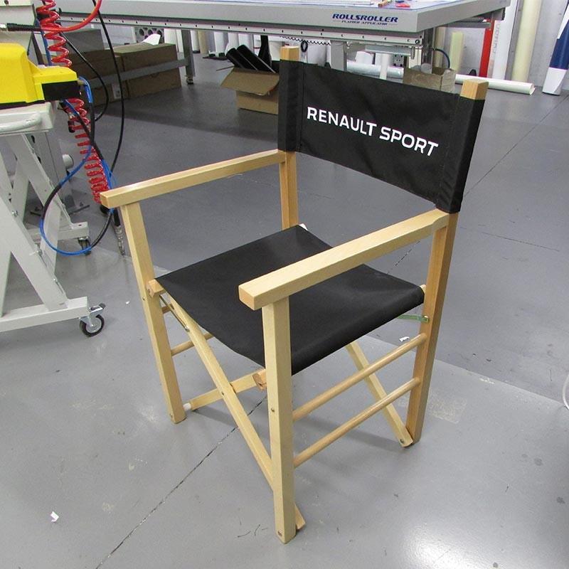 chaise de metteur en scene eyes up