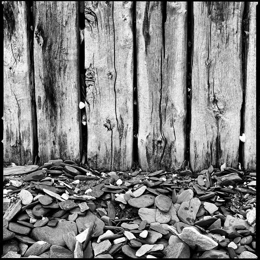 A wooden wall, Carantec beach