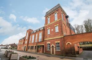 'The Old Brewery', London Road, Horndean, PO8 0QQ