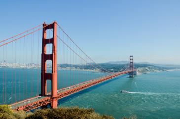 the red san fransisco bridge
