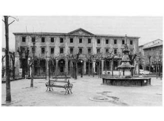 plaza-103