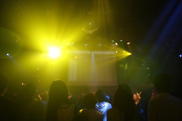 和歌のライブはお笑いだった