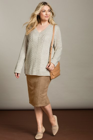151331-Sara-alpaca-blend-cable-vee-neck
