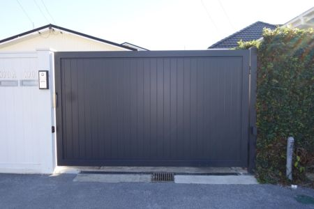 Residential - Solid Aluminium - 30