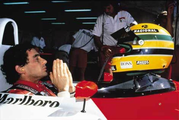 Senna Prays