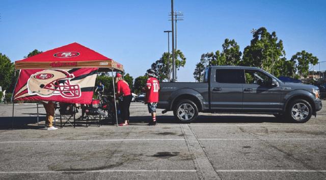 2018 Ford F-150 4×2 Lariat SuperCrew tailgating