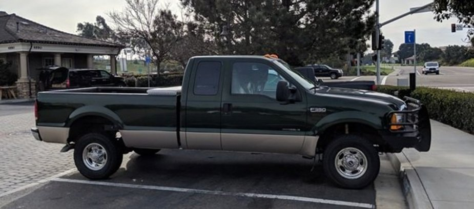 1999 Ford F-350 Side