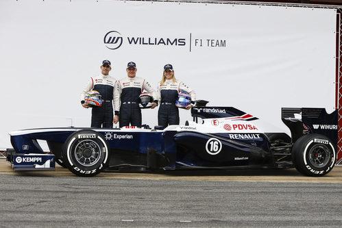 Los tres pilotos de Williams junto al FW35