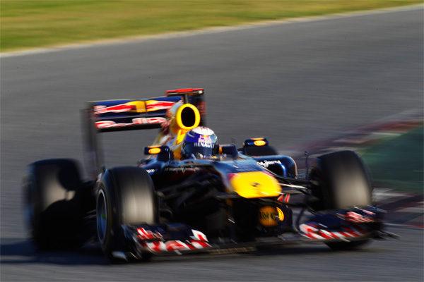 Vettel rodando en el circuito de Montmeló