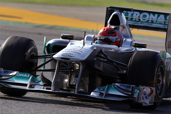 Schumacher rodando en los test Montmeló