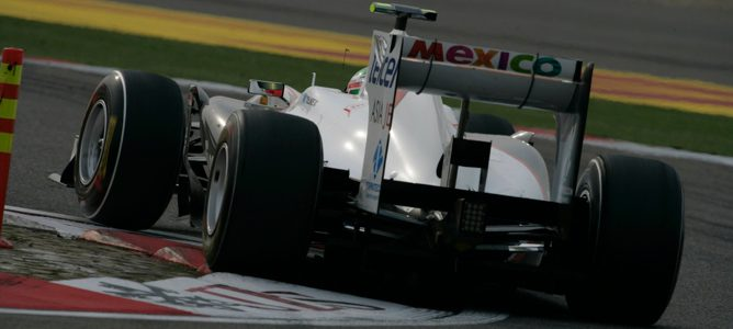 Pérez rodando con el Sauber C30 en pista durante esta temporada