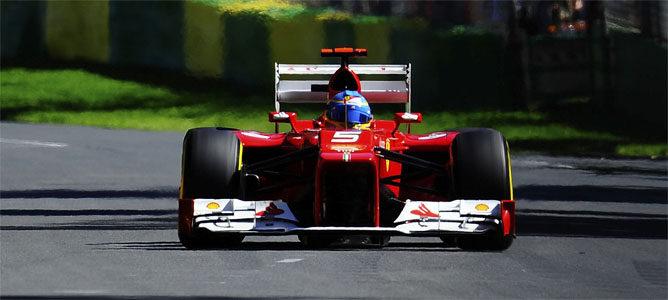 Alonso rodando en la carrera de Australia