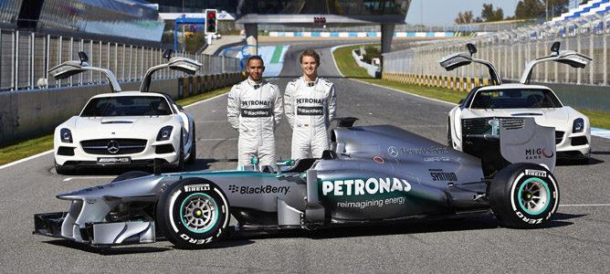 Nuevo Mercedes AMG, la nueva flecha plateada de Hamilton y Rosberg