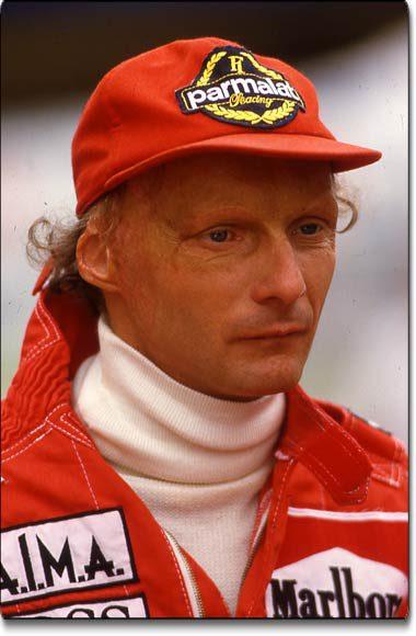 Niki Lauda, canpeon del mundo de F1 en tres ocasiones