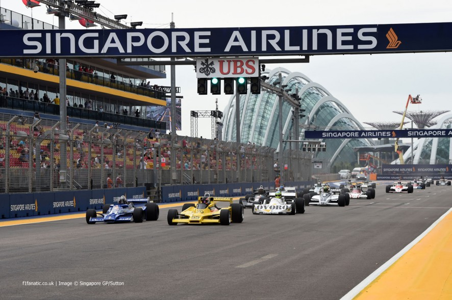 http://www.f1fanatic.co.uk/2014/09/23/classic-f1-action-singapore-pictures/