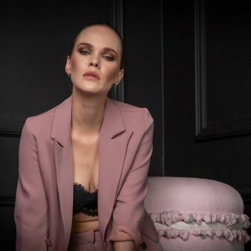 Fashion portét s fotografickými monitory BenQ a světelnou technikou FOMEI