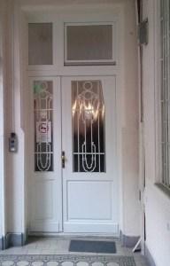budai fogászat bejárati ajtócsere