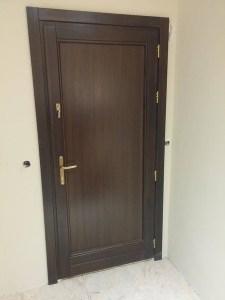 teli tömör fa bejárati ajtó