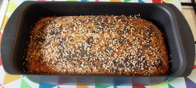 Spelt & Wholemeal No-knead Loaf