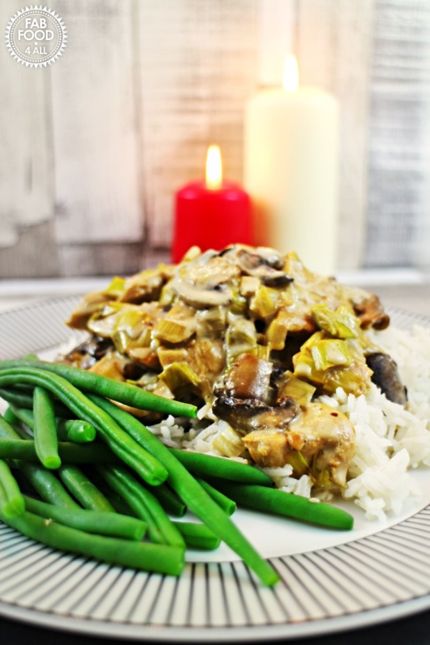 Chicken, Mushroom & Leeks in a Cream & White Wine Sauce - Fab Food 4 ...