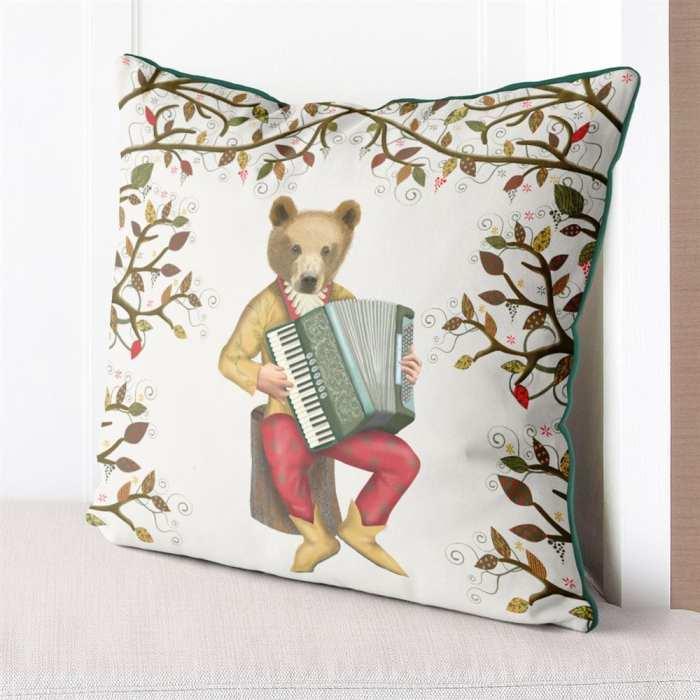 Cushion / Throw Pillow