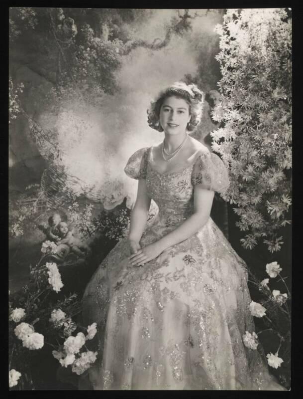 Regina Elisabetta II, ritratto del 1945