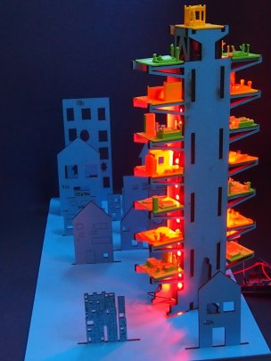 Hochhaus mit LEDs