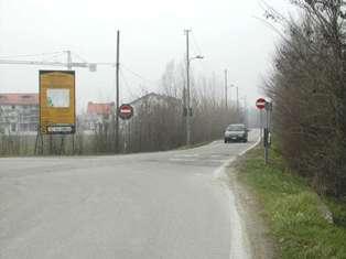 Il divieto di accesso di via del Giglio verso via Jacopo della Quercia