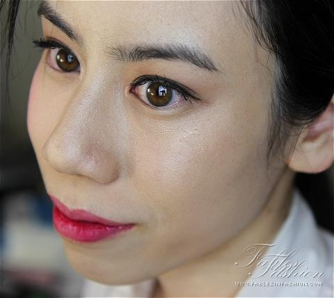 Chanel Mouche de Beaute Illuminating Powder