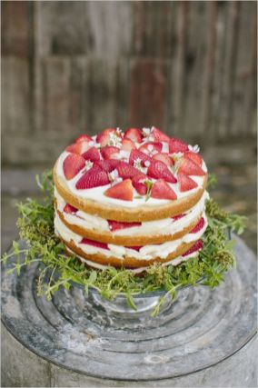 Naked strawberry wedding cake,naked wedding cake,rustic wedding cake