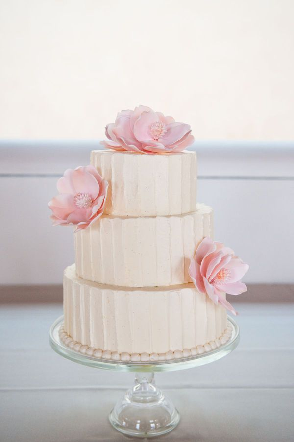Buttercream wedding cake 1   Fab Mood   Wedding Colours  Wedding     Buttercream wedding cake