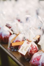 wedding favors in The Peach Orchard | Photography : marymargaretsmith.com | https://www.fabmood.com/a-cozy-fall-wedding-in-the-peach-orchard #peach #fallwedding