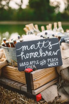 Homebrew - Wedding in The Peach Orchard | Photography : marymargaretsmith.com | https://www.fabmood.com/a-cozy-fall-wedding-in-the-peach-orchard #peach #fallwedding